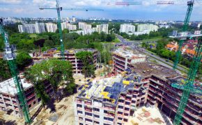 Budowa osiedla Fort Służew w Warszawie - szalunki - zdjęcie z drona
