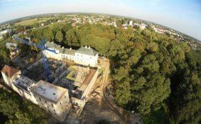Remont zamku - Hotel w Janowie Podlaskim - szalunki - widok z drona