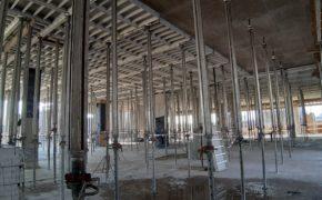 Budowa hotelu Q Hotel - podpory stropowe